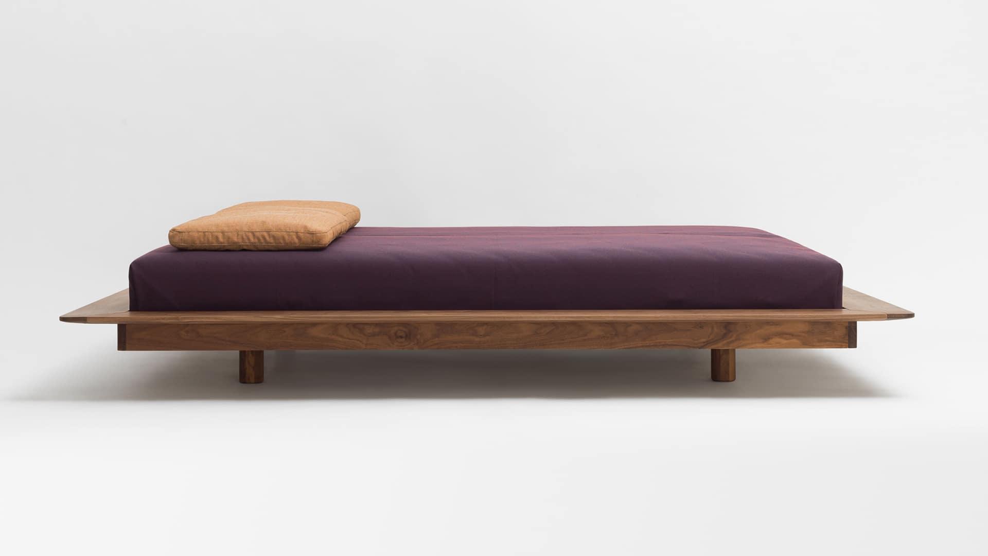 Betten aus Massivholz