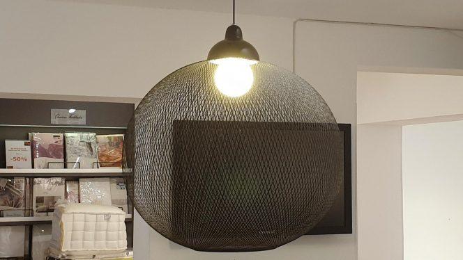 Lampe Planet schwarz 72cm breit 60cm hoch